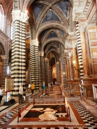 Duomo di Siena - entrance interior